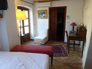 chambre d'hôtes avec terrasse Lau Pallo a Pan au Roc sur l'Orbieu entre Carcassonne et Narbonne