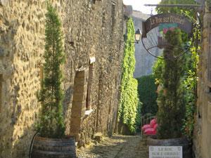 l'entrée des Chambres d'hôtes près de Narbonne le roc sur l'orbieu