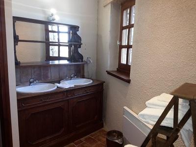 "chambre ""lou masso"", salle de bain"