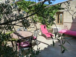 terrasse chambre d'hôte Le Roc sur l'Orbieu entre Carcassonne et Narbonne