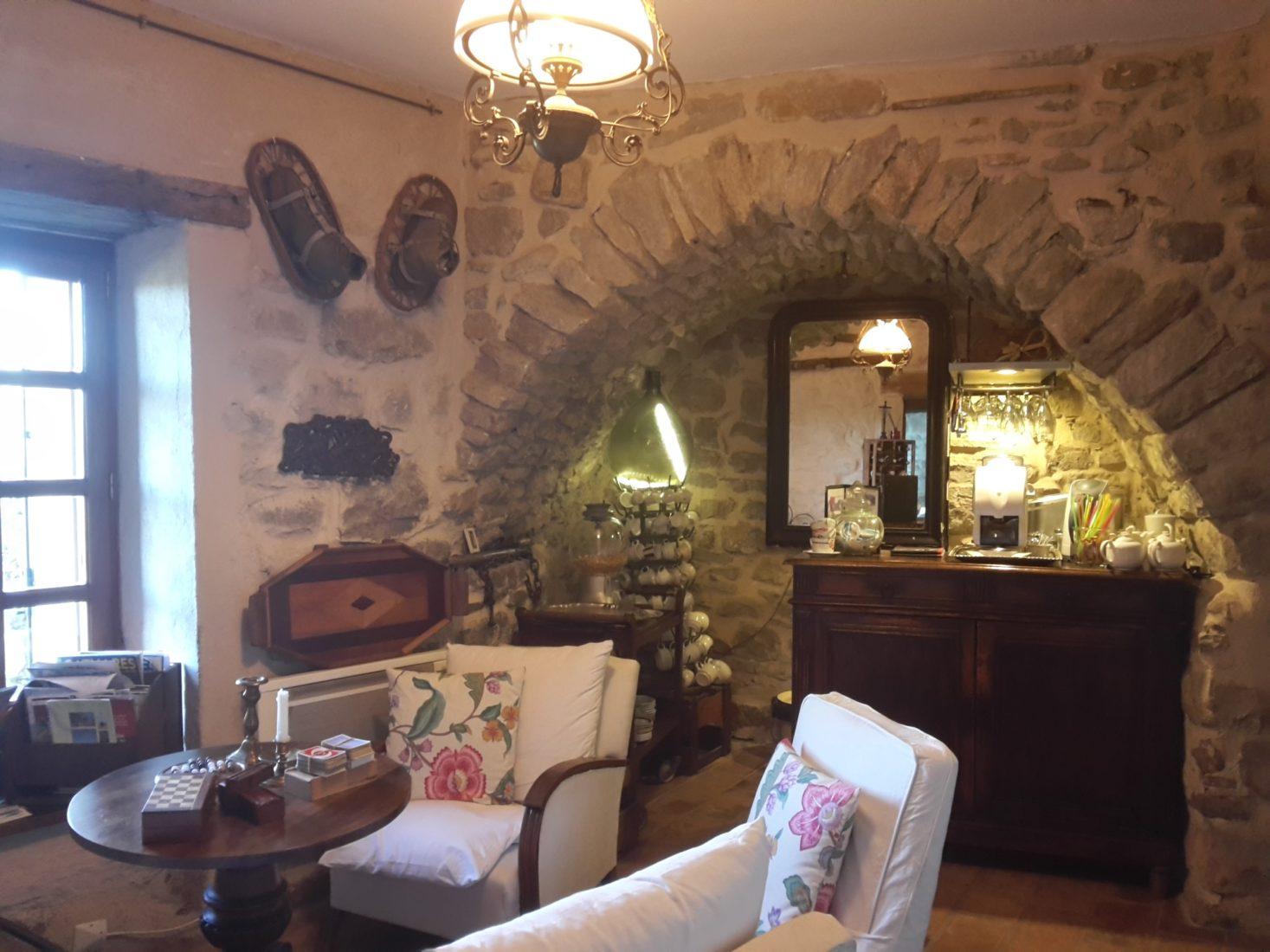 salon et bar au roc sur l'Orbieu