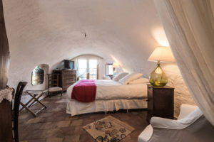 suite-parentale-maison-le-chemin-de-ronde-le-roc-sur-l'orbieu-location-vacances-entre-Carcassonne-et-Narbonne