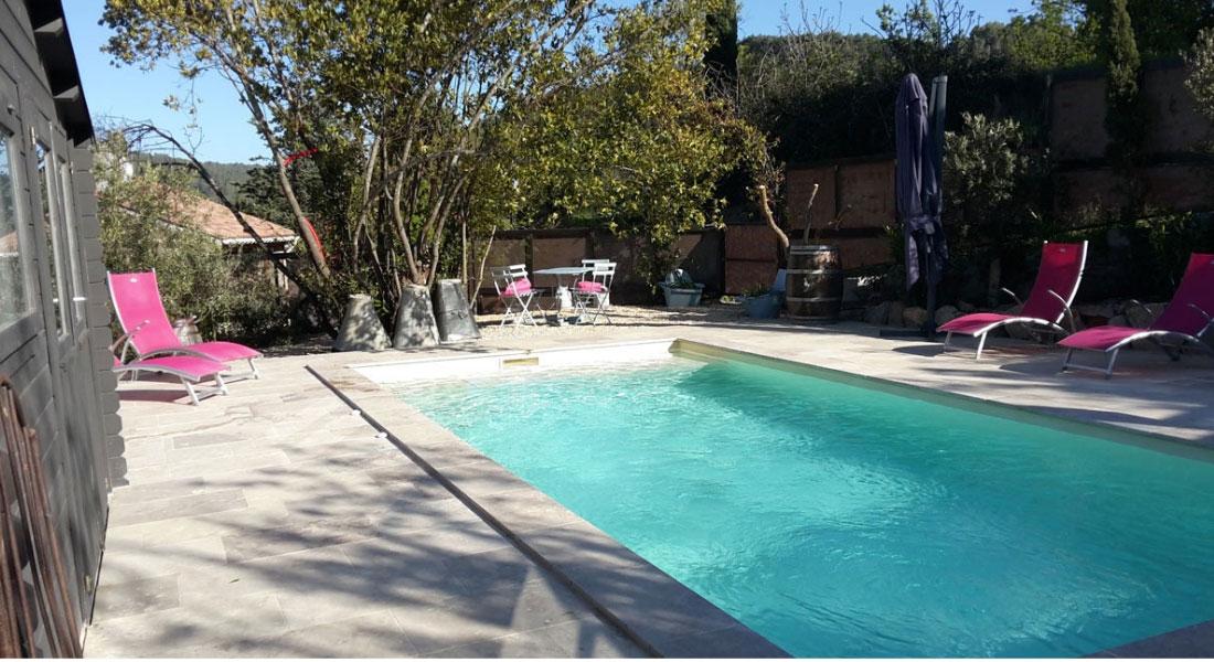 baignade-et-jacuzzi--location-vacances-le-roc-sur-l'orbieu-entre-Carcassonne-et-Narbonne