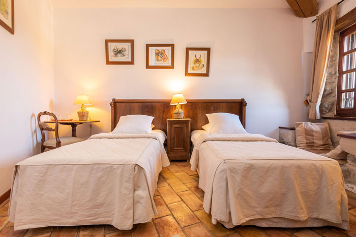 chambre-pour-deux--maison-le-four-à-pain---le-roc-sur-l'orbieu-location-vacances-entre-Carcassonne-et-Narbonne