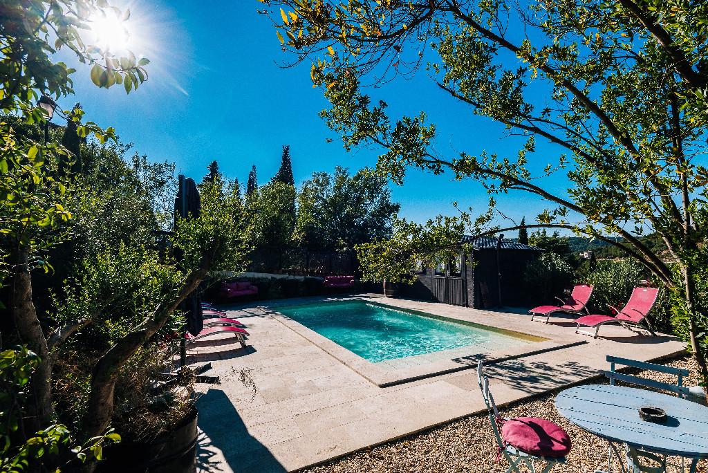 gites le rocsurlorbieu entre carcassonne et narbonne piscine privéechauffée avec jacuzzi et nage à contre-courant