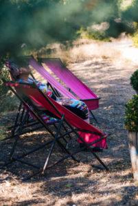 chaises longues gîtes au Roc sur l'Orbieu entre Carcassonne et Narbonne.
