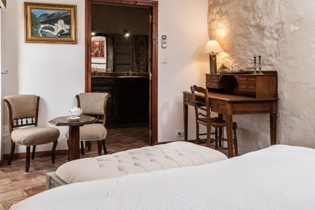chambre parents premier étage le four à pain au Roc sur l'Orbieu gîtes en location vacances entre Carcassonne et Narbonne