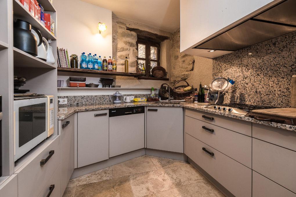 cuisine le four à pain au Roc sur l'Orbieu gîte en location vacances entre Carcassonne et Narbonne