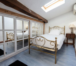 petite chambre 2 maison le chemin de ronde - le roc sur l'orbieu-location vacances entre Carcassonne et Narbonne