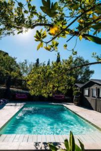 piscine privée gîte Le Roc sur l'Orbieu entre Carcassonne et Narbonne
