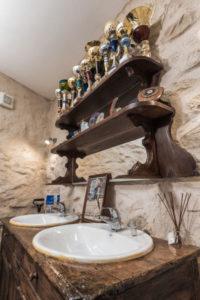 salle de bain gîte le four à pain au Roc sur l'Orbieu entre Carcassonne et Narbonne