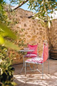 terrasse gîte le four à pain au Roc sur l'Orbieu entre Carcassonne et Narbonne.