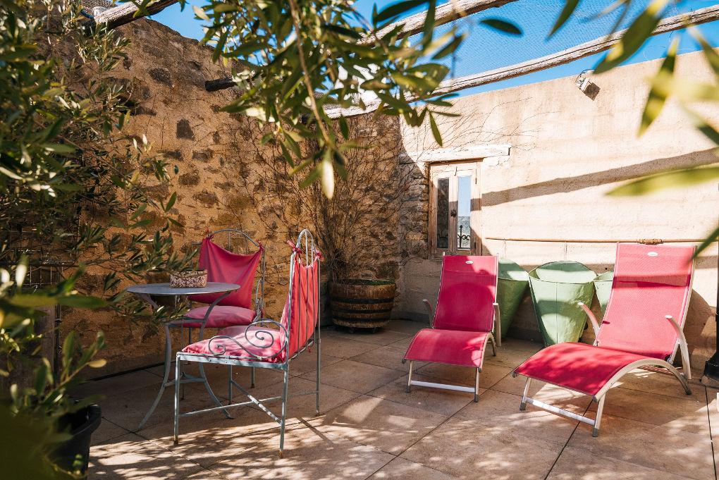 terrasse gîte le four à pain le roc sur l'orbieu entre Carcassonne et Narbonne