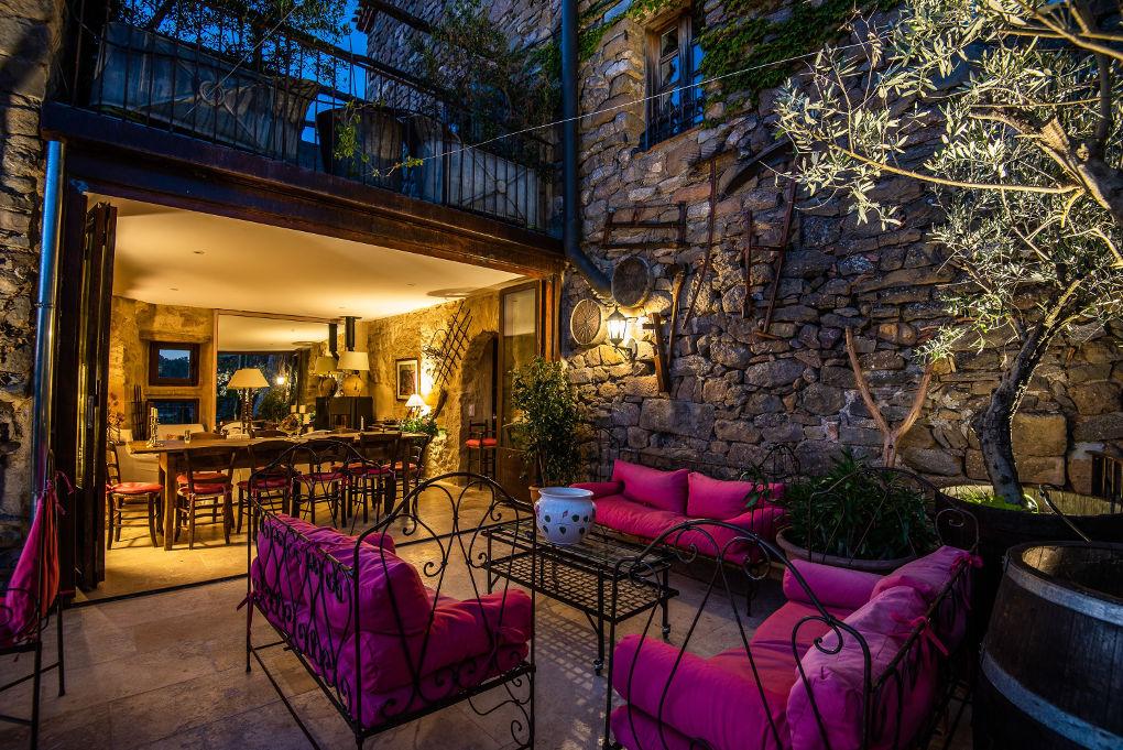 terrasse maison le four à pain - le roc sur l'orbieu-gite entre Carcassonne et Narbonne.