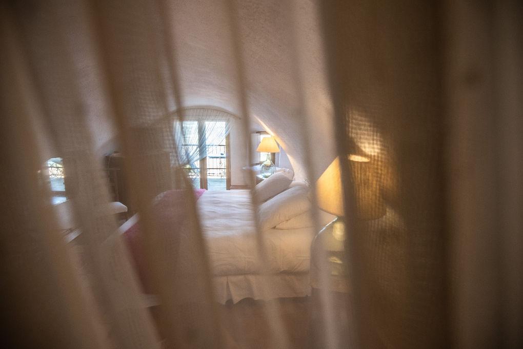 photo entrée gîte climatisé 5 pers Le Chemin de Ronde*** Location de vacances Gîtes Le Roc sur l'Orbieu Lagrasse