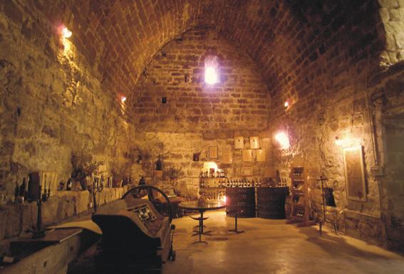 Cave - Roc sur l'Orbieu, entre Narbonne et Carcassonne