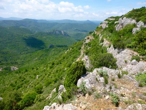 Randonnée - Gite et Location Vacances en Corbières - Le Randonnée - Roc sur l'Orbieu, entre Narbonne et Carcassonne