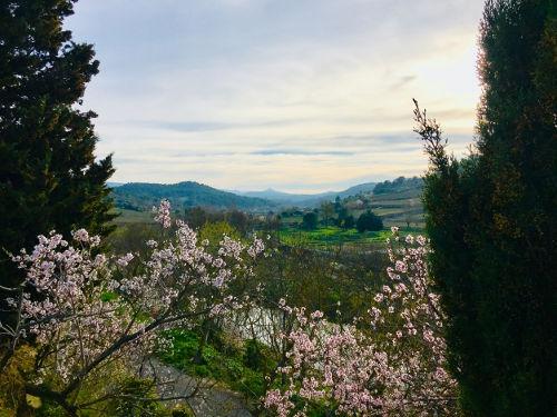 Gite et Location Vacances en Corbières - Le Roc sur l'Orbieu, entre Narbonne et Carcassonne